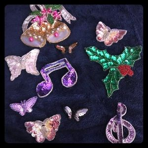 Jewelry - Vintage sequin brooches